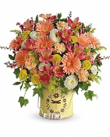 Teleflora\'s Country Spring Bouquet