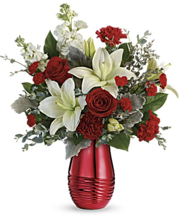 Teleflora\'s Radiantly Rouge Bouquet